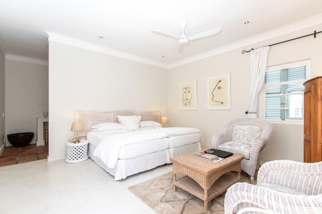 Standard room - poolside